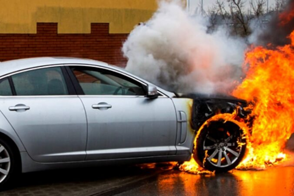 Tips Mencegah Kebakaran Mobil